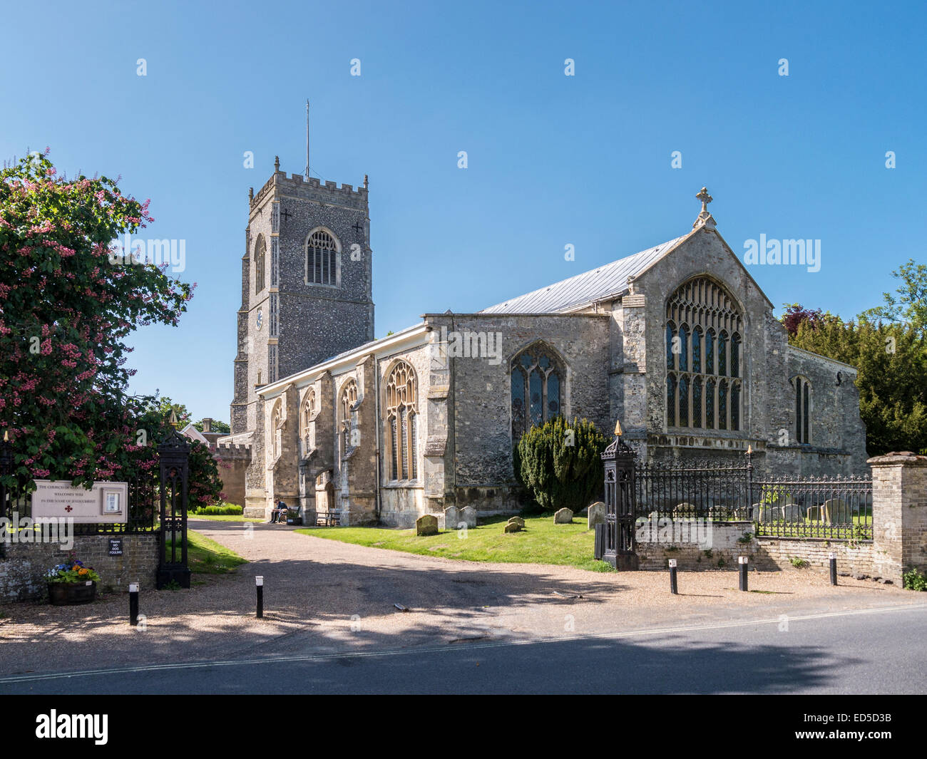 The Church of St Michael in the picturesque market town of Framlingham, Suffolk. - Stock Image
