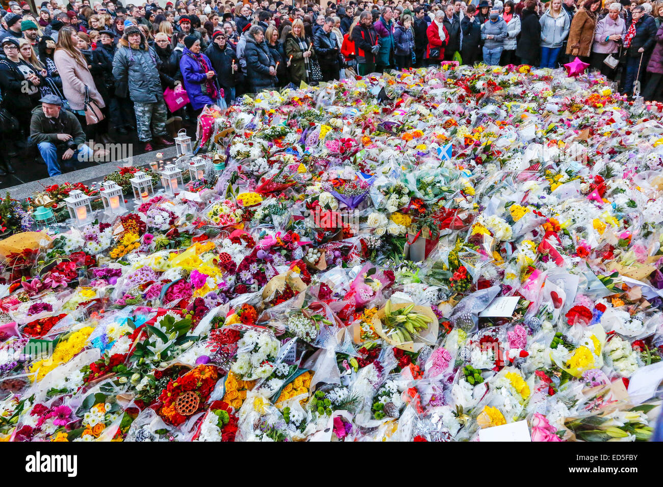 Sympathy flowers stock photos sympathy flowers stock images alamy more than 1000 people took part in a 2 minute candle vigil in royal exchange square izmirmasajfo