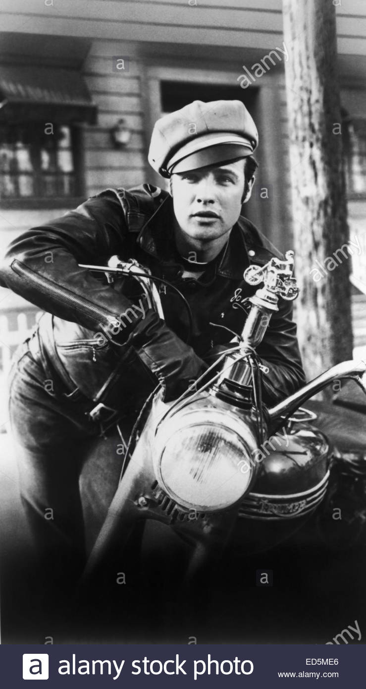 THE WILD ONE (1953). Pictured:  Marlon Brando. Courtesy Granamour Weems Collection.  Editorial use only.  Licensee - Stock Image