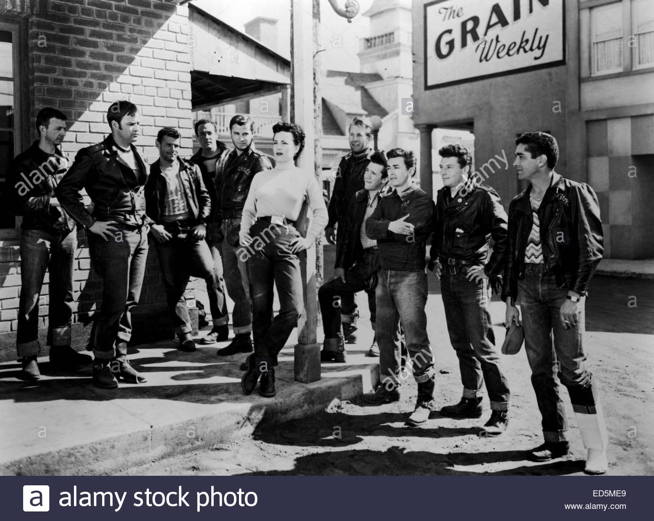 THE WILD ONE (1953).  Courtesy Granamour Weems Collection.  Editorial use only.  Licensee must obtain appropriate - Stock Image