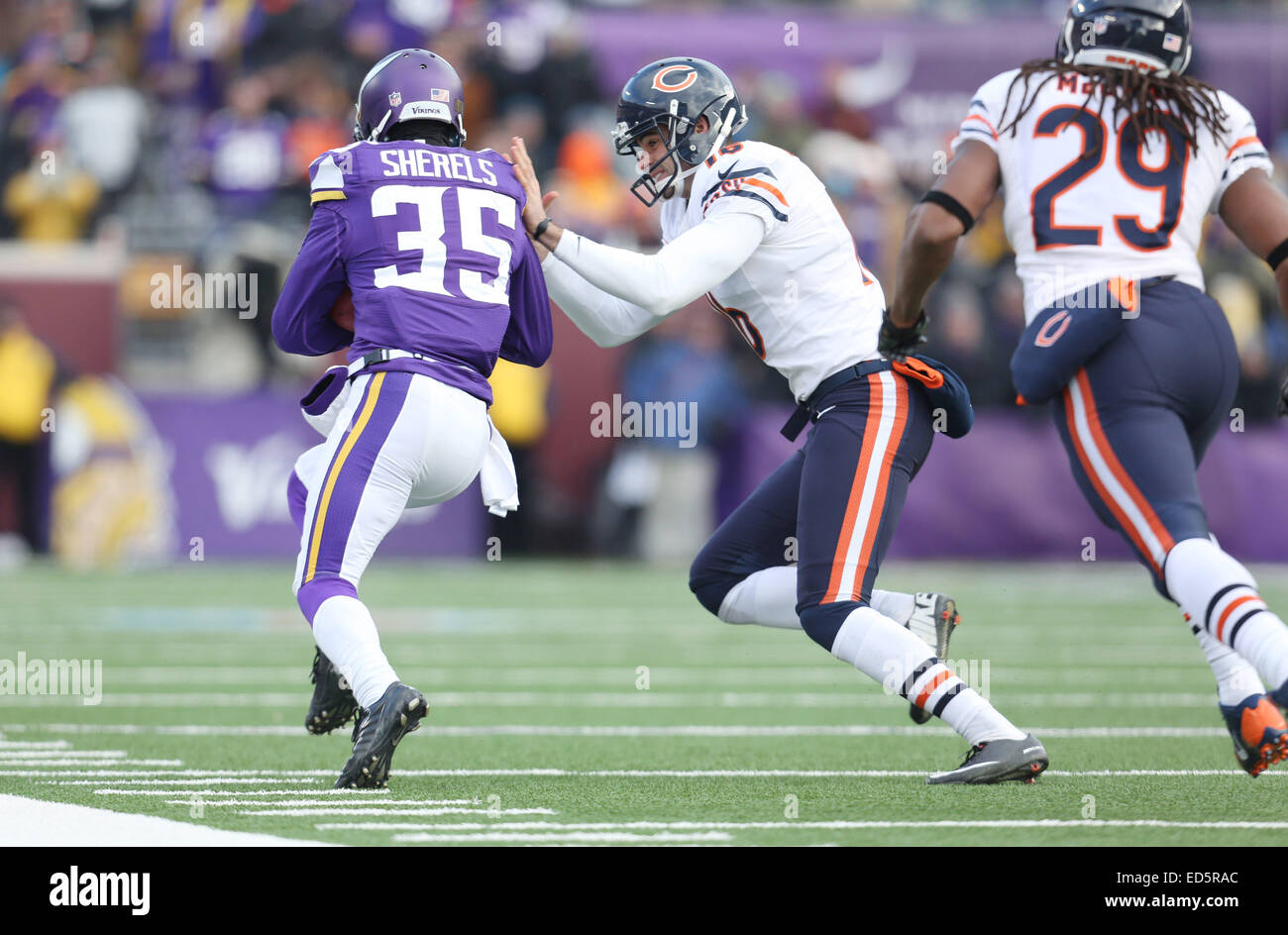 Chicago Bears punter Patrick O Donnell (16) forces Minnesota Vikings punt  returner Marcus Sherels (35) out of bounds during an NFL game between the  Chicago ... 094db4241