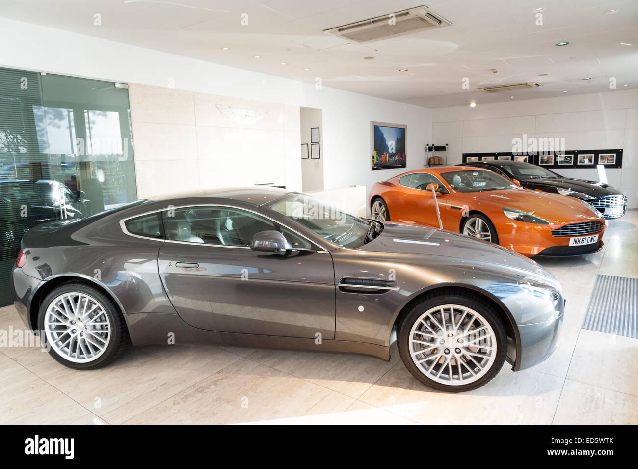 Stratstone Mayfair Aston Martin Dealership Stock Photos Stratstone - Aston martin car dealers