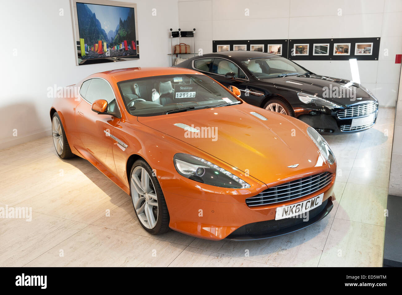 Stratstone Mayfair Aston Martin Dealership Stock Photos Stratstone - Aston martin dealerships