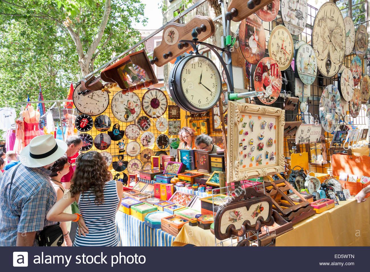 Rastro market stall decorative household goods, La Latina, Madrid, Spain - Stock Image
