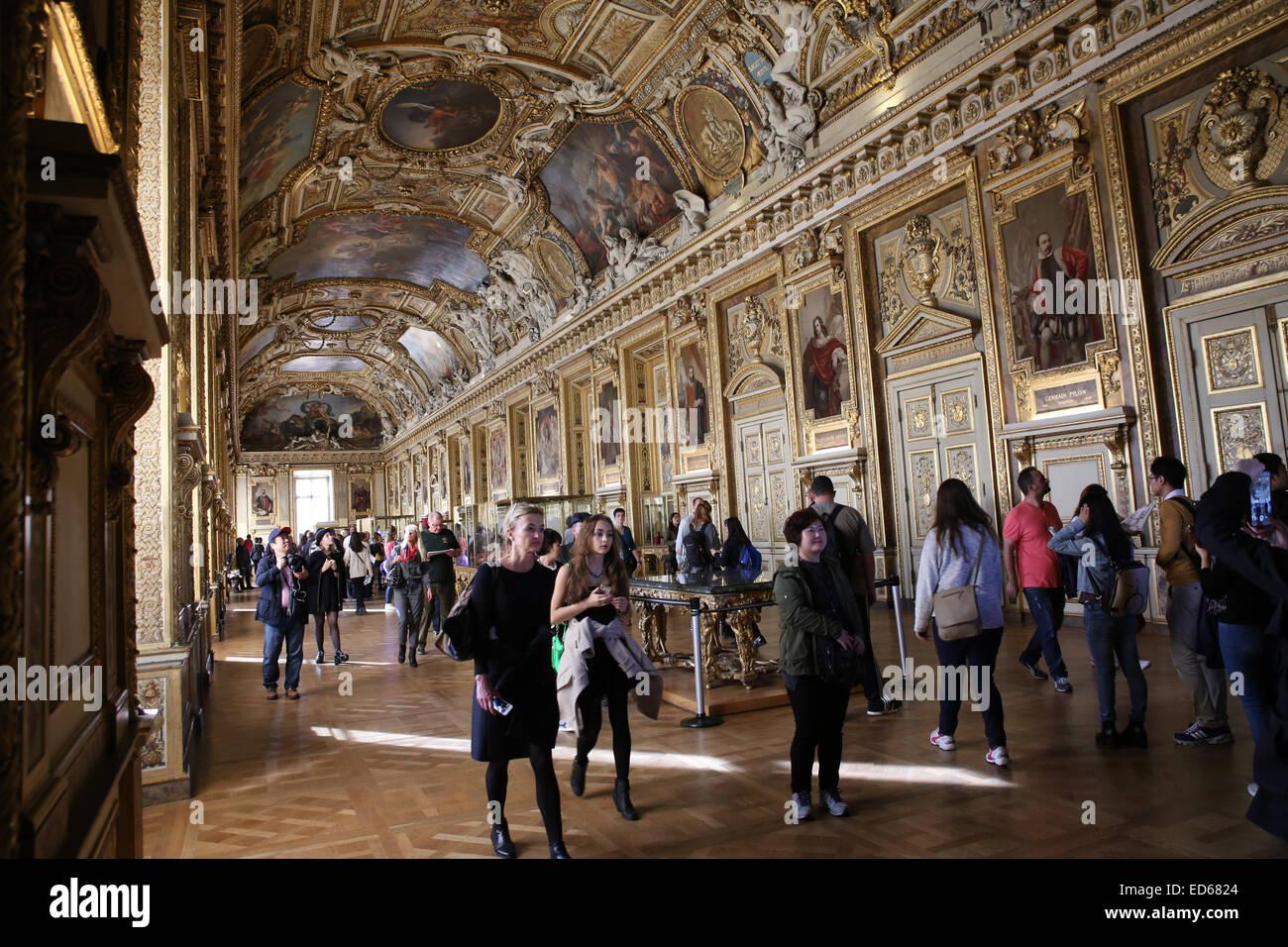 crowd people inside Galerie d'Apollon - Stock Image