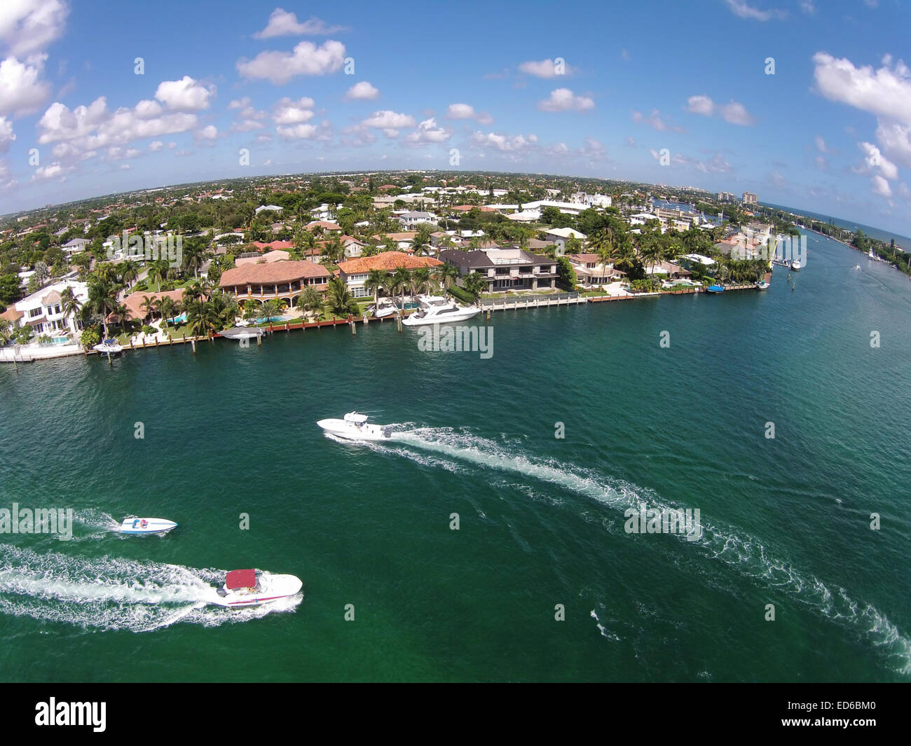Weekend boating on the waterways of Boca Raton, Florida, birds eye view - Stock Image