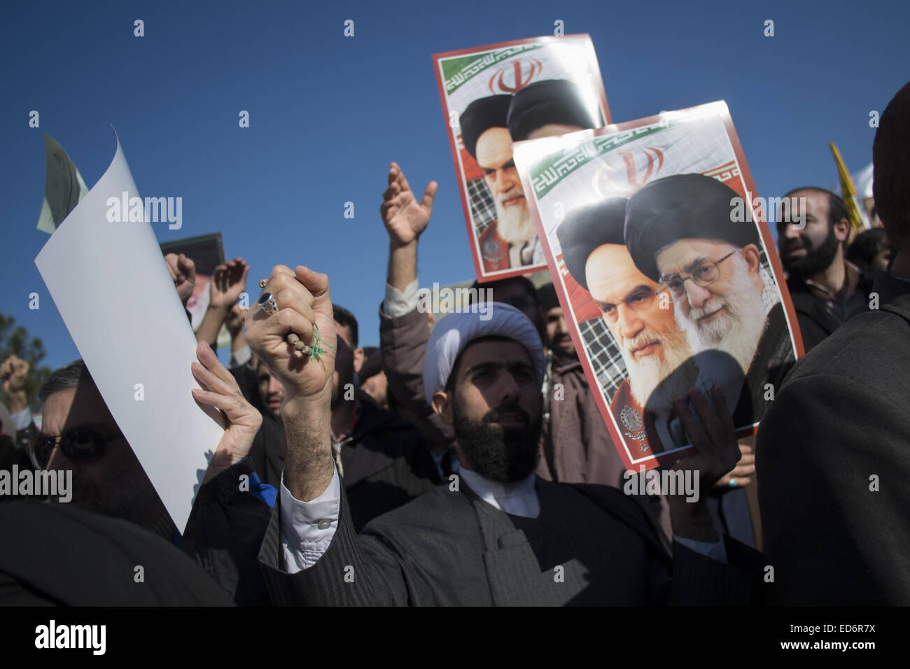 Qom, Iran. 29th Dec, 2014. December 30, 2014 - Qom, Iran - An Iranian cleric shouts anti-U.S. and anti-Israel slogans - Stock Image