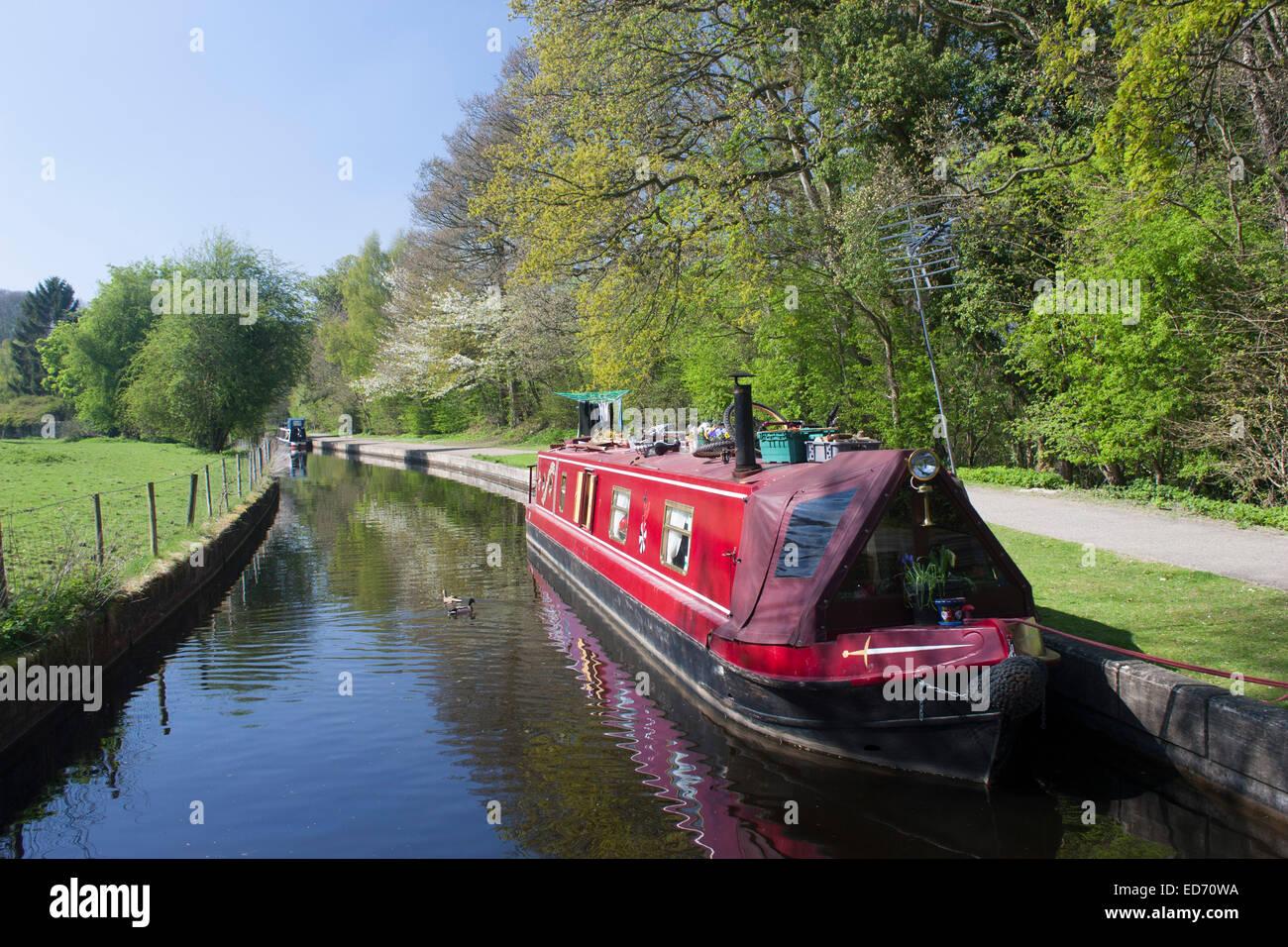 Canal Narrow Boat Stock Photos Amp Canal Narrow Boat Stock
