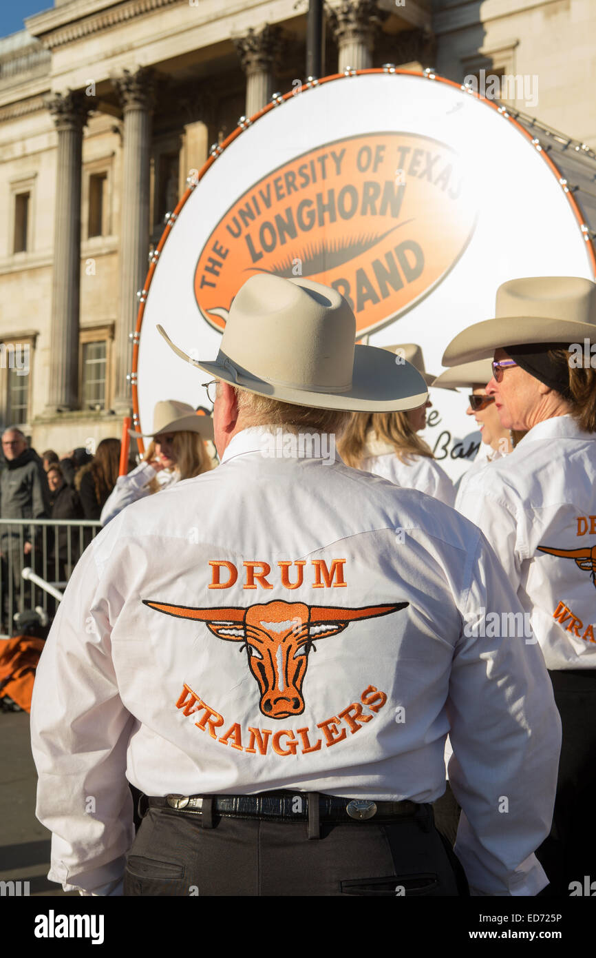 Trafalgar Square, London, UK.  30th December 2014.  The University of Texas Longhorn Alumni Band performed for crowds - Stock Image