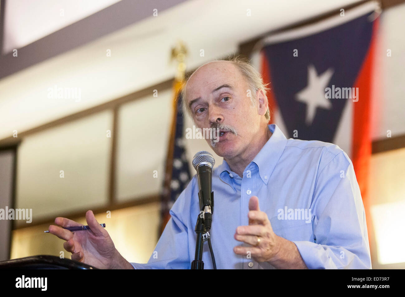 Cleveland, Ohio - Labor writer Steve Early speaks at the annual convention of Teamsters for a Democratic Union. - Stock Image