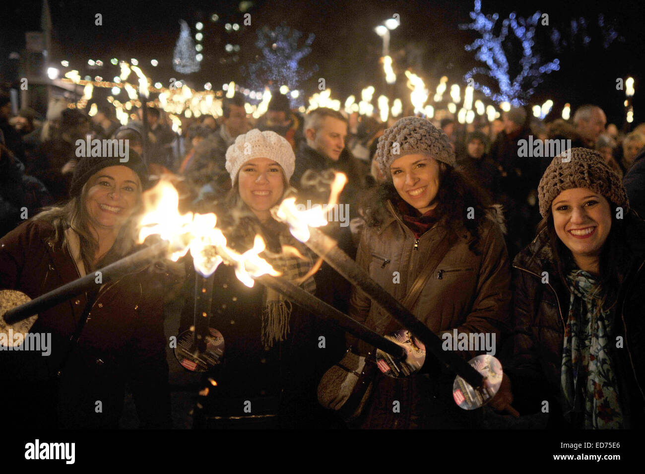 Edinburgh, UK. 30th December 2014. Thousands gather in the center of Edinburgh for the Hogmany Torchlight Procession Stock Photo