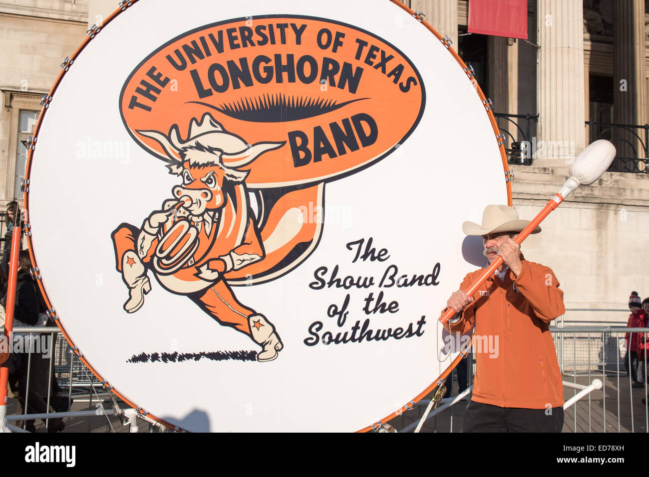 London, UK. 30th December, 2014. Big Bertha the biggest marching band drum in the World 'Texas Longhorn Alumni, - Stock Image