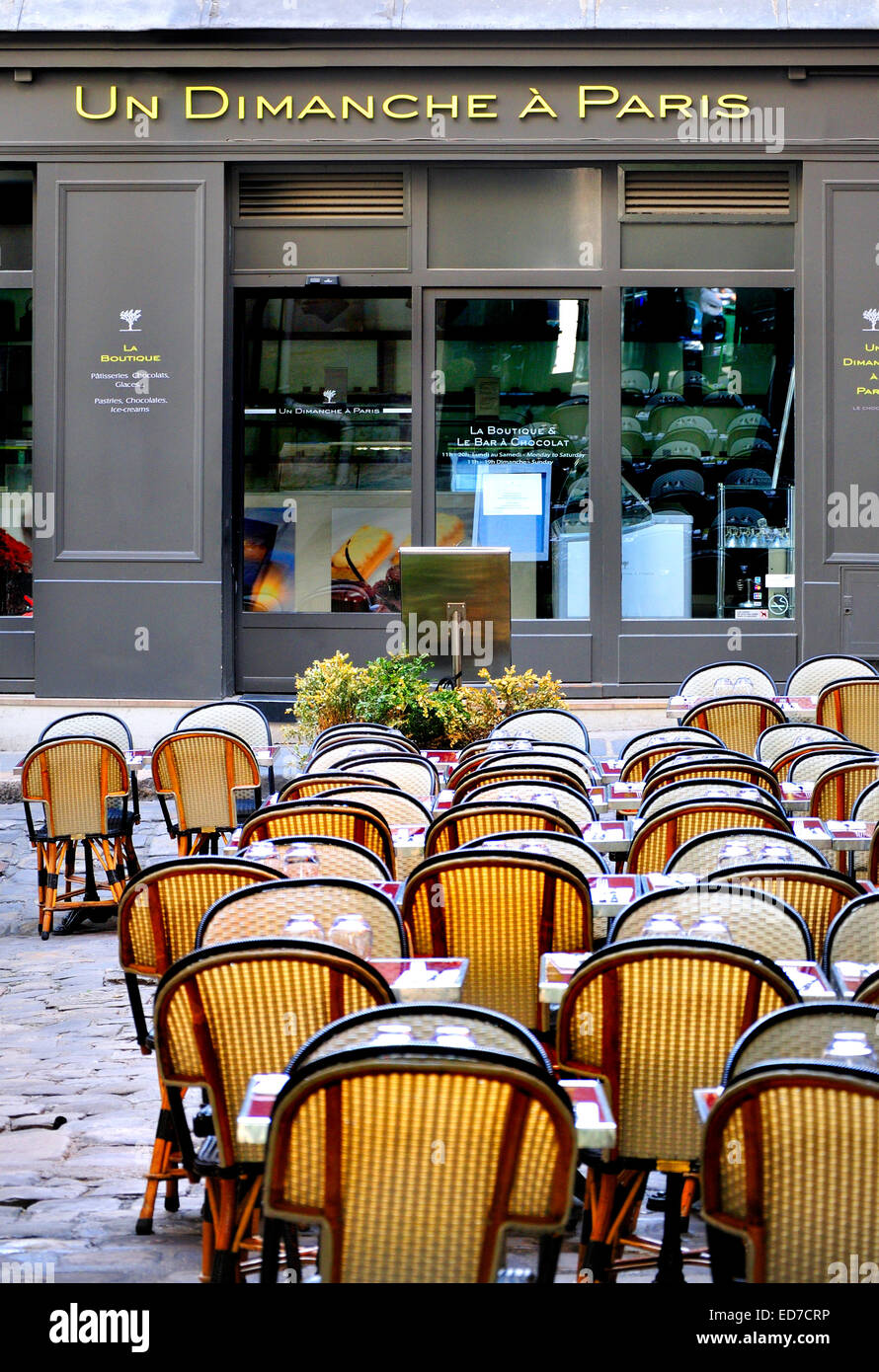 Paris, France. Cour du Commerce Sainte-Andre. 'Un Dimanche a Paris' cafe - Stock Image