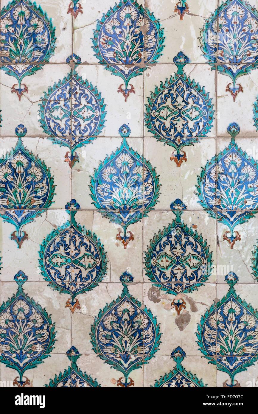 Kutahya and iznik ceramic 17th century tiles at topkapi palace stock kutahya and iznik ceramic 17th century tiles at topkapi palace topkapi sarayi part of ottoman empire istanbul turkey shiifo
