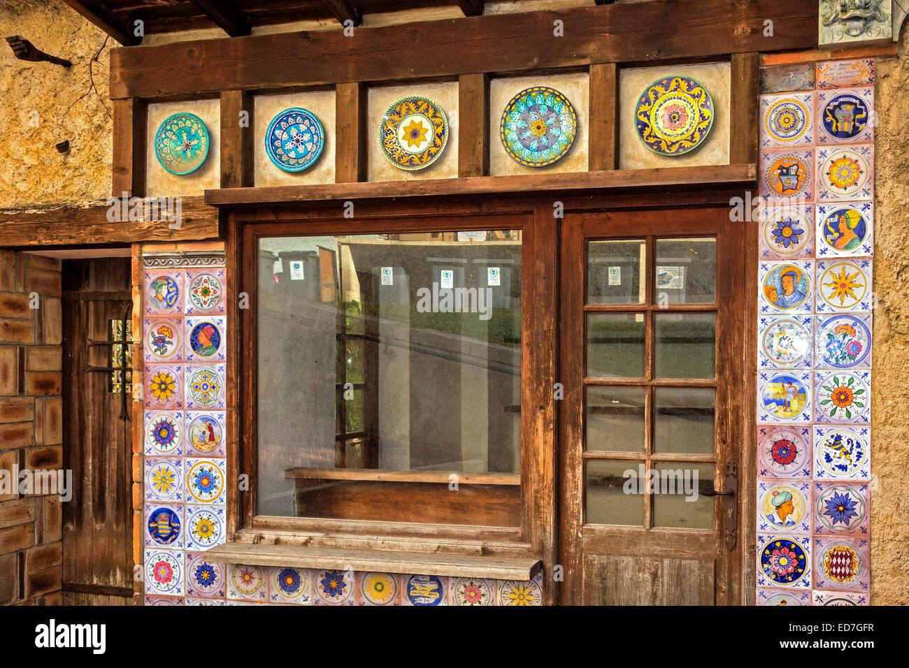 Tile Shop Stock Photos & Tile Shop Stock Images - Alamy