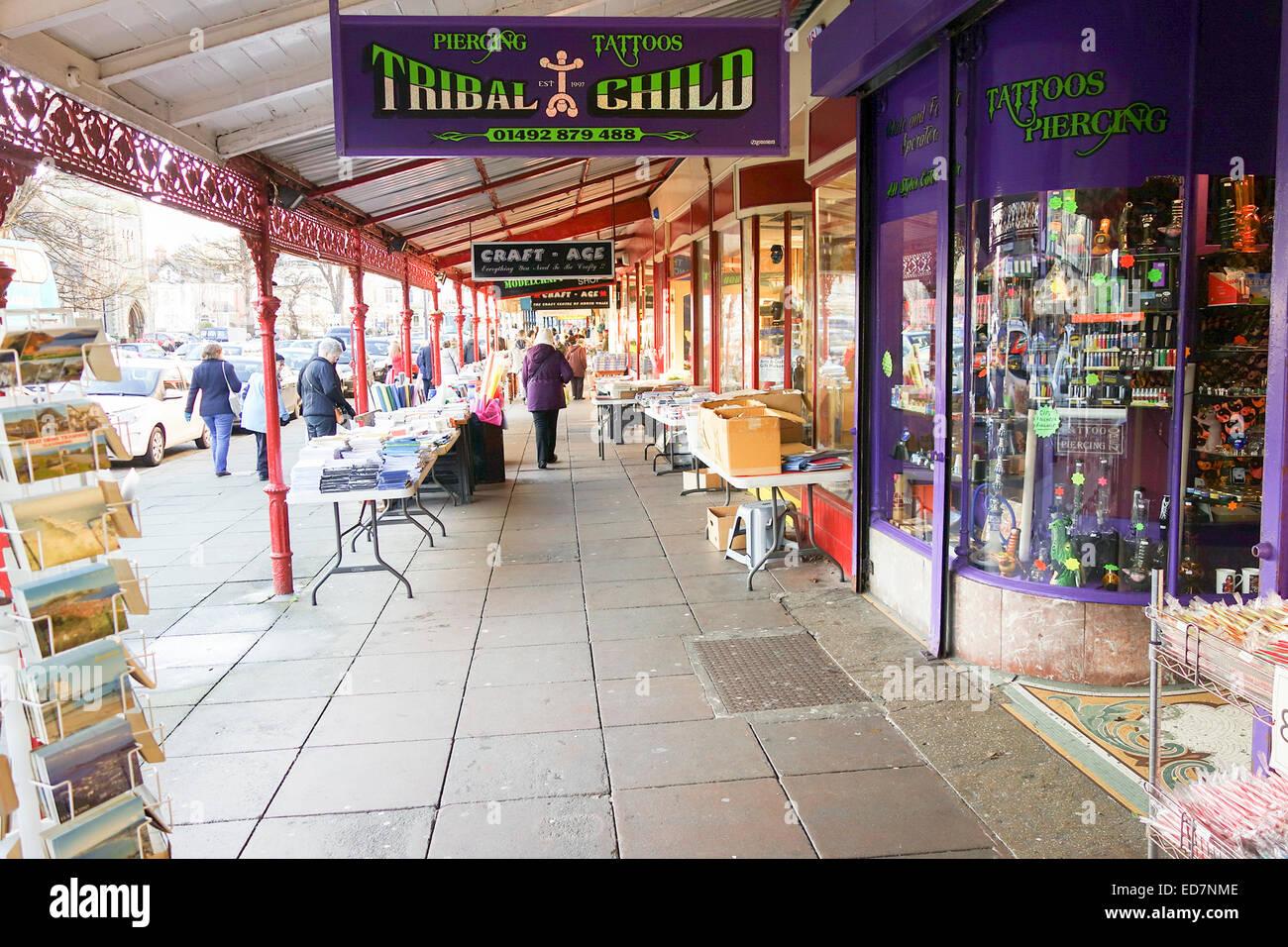 High Street Tattoo And Body Piercing Shop Stock Photo Alamy