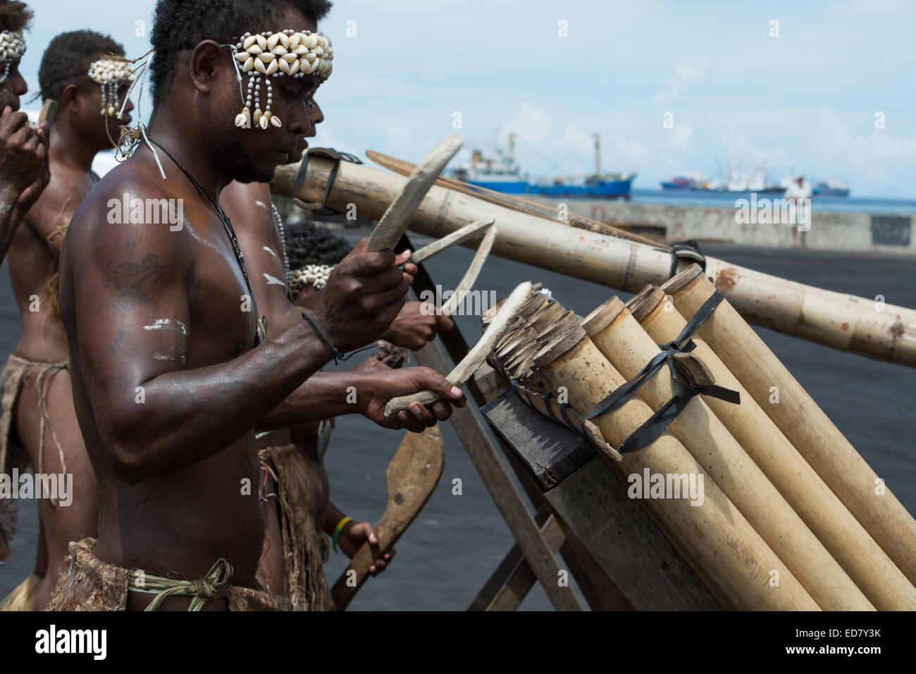 Melanesia, Solomon Islands, Guadalcanal Island, capital city of Honiara. Village welcome band. - Stock Image