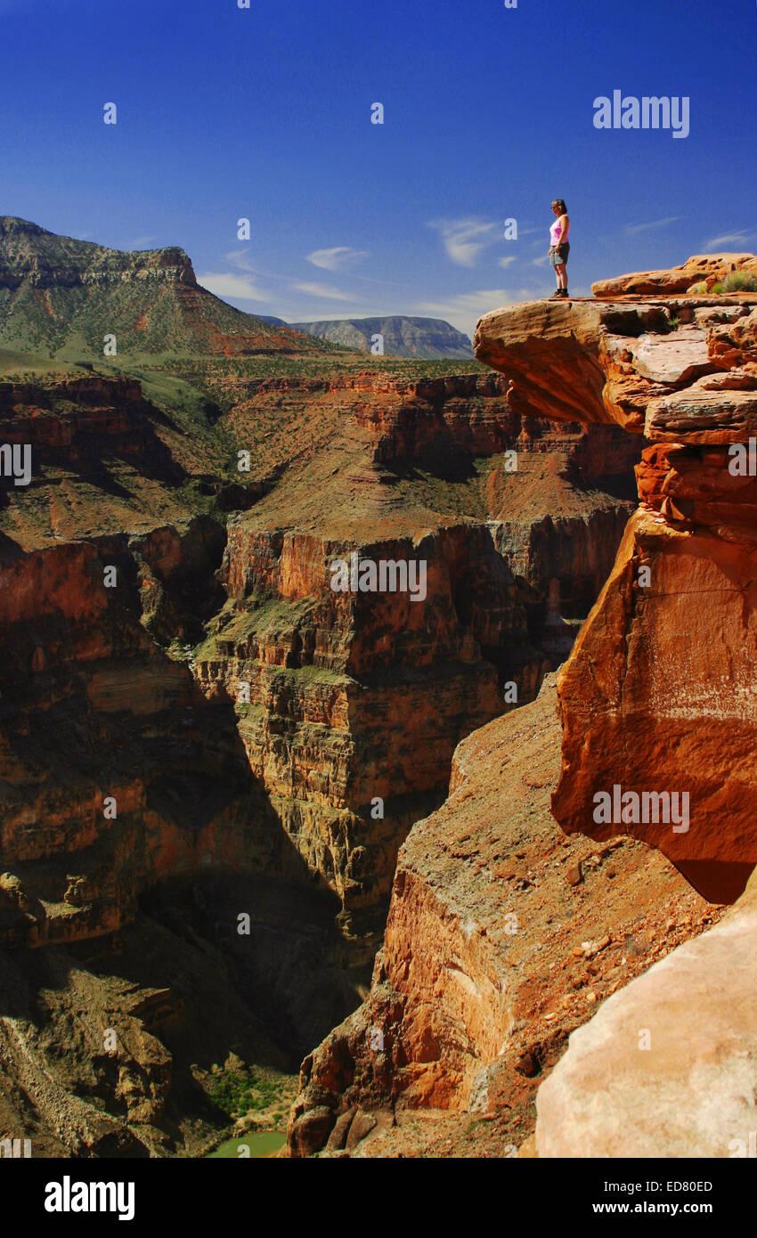 Sarah Brownell (R) at Toroweep Overlook, Grand Canyon National Park, AZ USA - Stock Image