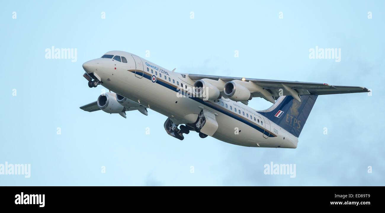 QQ101 Empire Pilots Test School Avro RJ100 Aircraft - Stock Image
