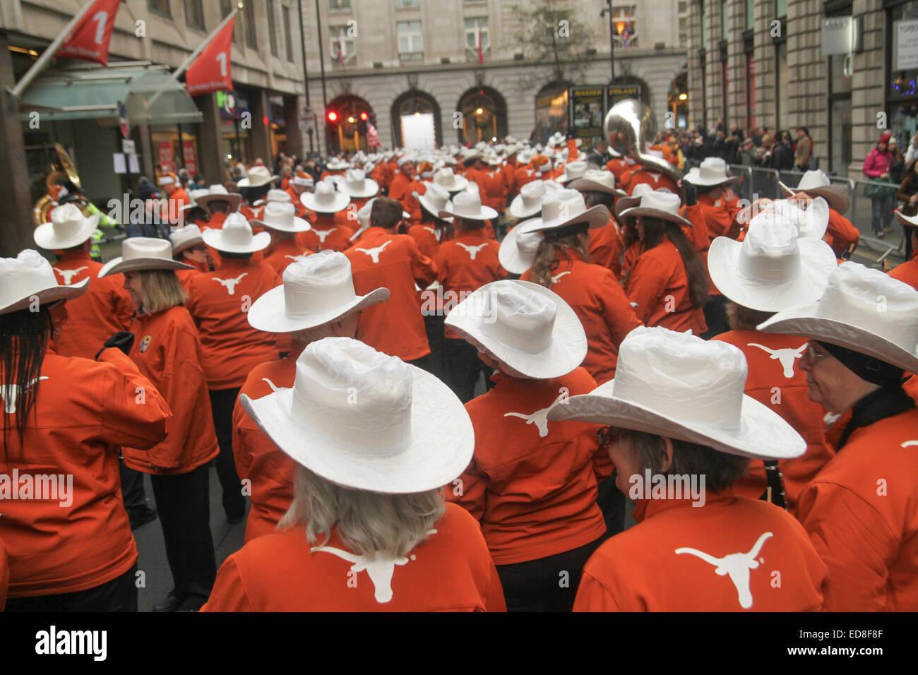 London, UK. 1 January 2015. University of Texas Longhorn band members ahead of the parade start at noon. Londoners - Stock Image