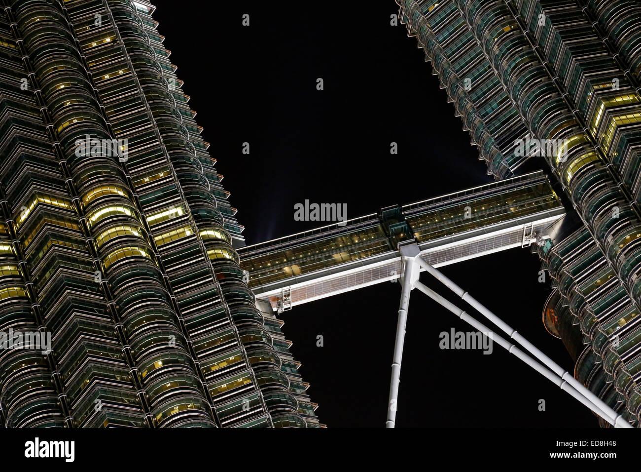 Skybridge between the twin Petronas Towers in Kuala Lumpur, Malaysia - Stock Image