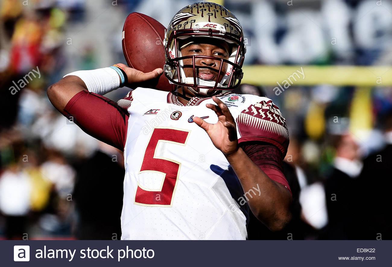 Pasadena, California, USA. 01st Jan, 2015. Florida State Seminoles quarterback Jameis Winston warms-up prior to - Stock Image