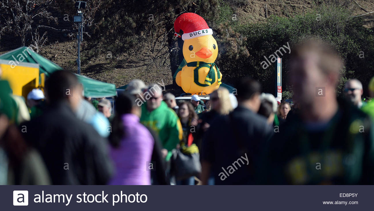 Pasadena, California, USA. 01st Jan, 2015. A giant Duck as fans tailgate prior to the 101st Rose Bowl game in Pasadena, - Stock Image