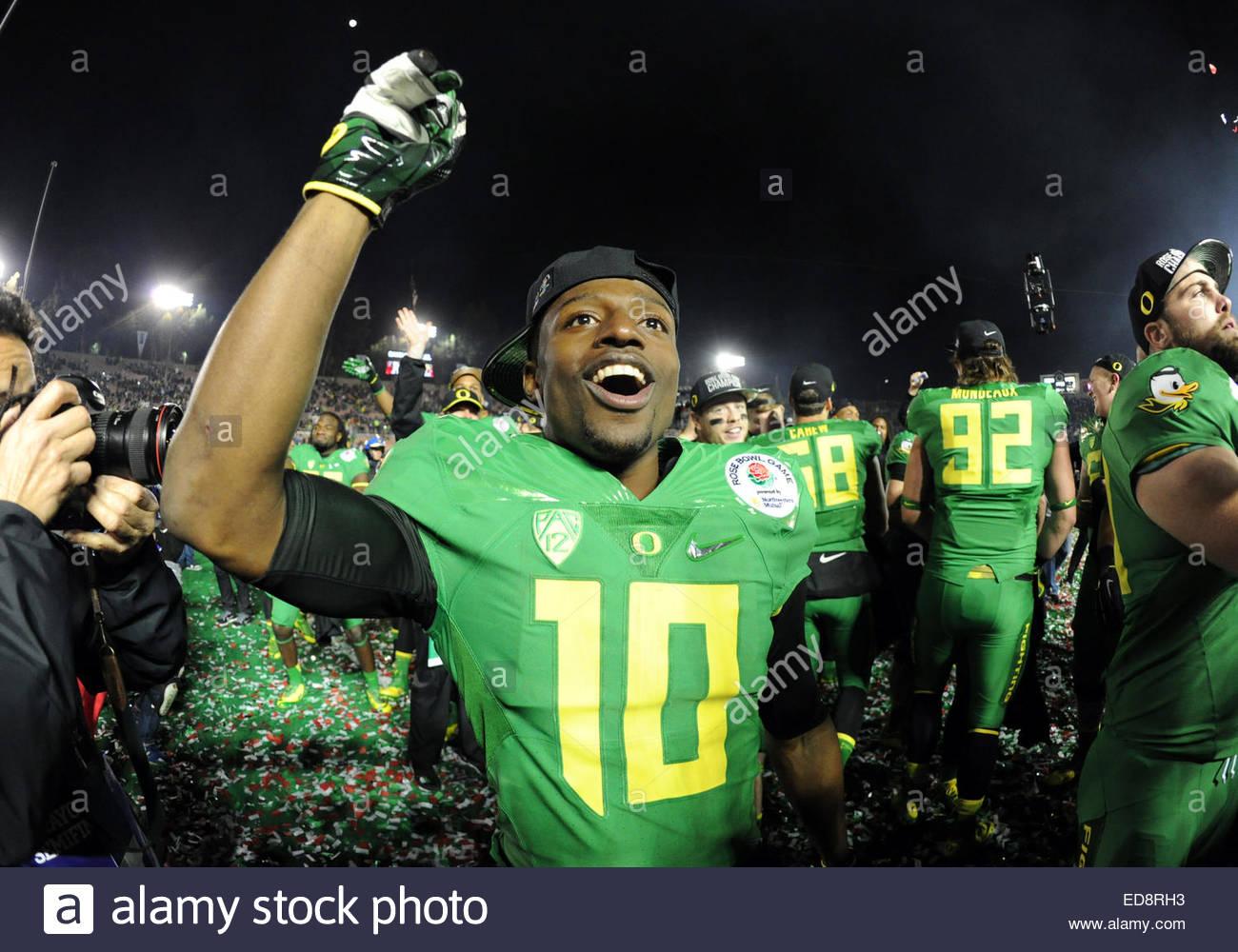 Pasadena, California, USA. 01st Jan, 2015. Oregon Ducks's Johnathan Loyd celebrates after defeating the Florida - Stock Image