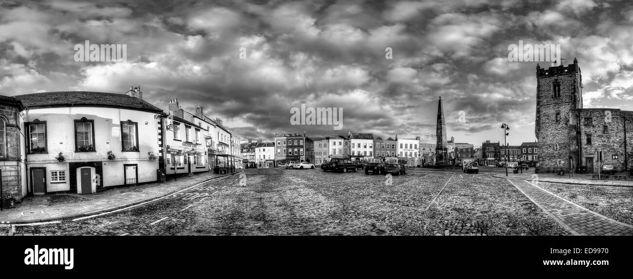 An 18 shot panorama of Richmond Market Place in North Yorkshire - Stock Image