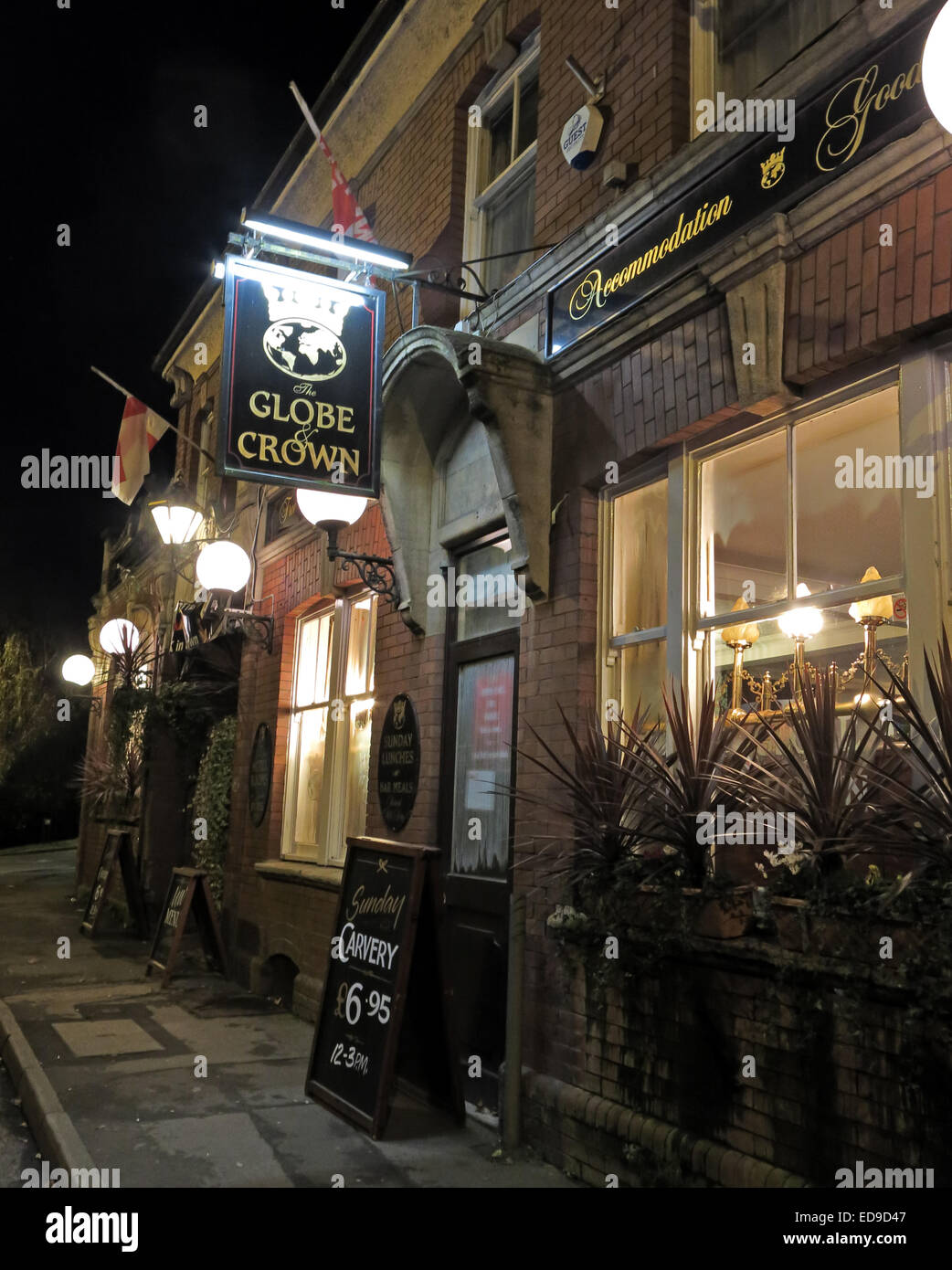 The Globe and Crown Pub Yeovil town, Somerset, England UK Formally Globetrotters - Stock Image