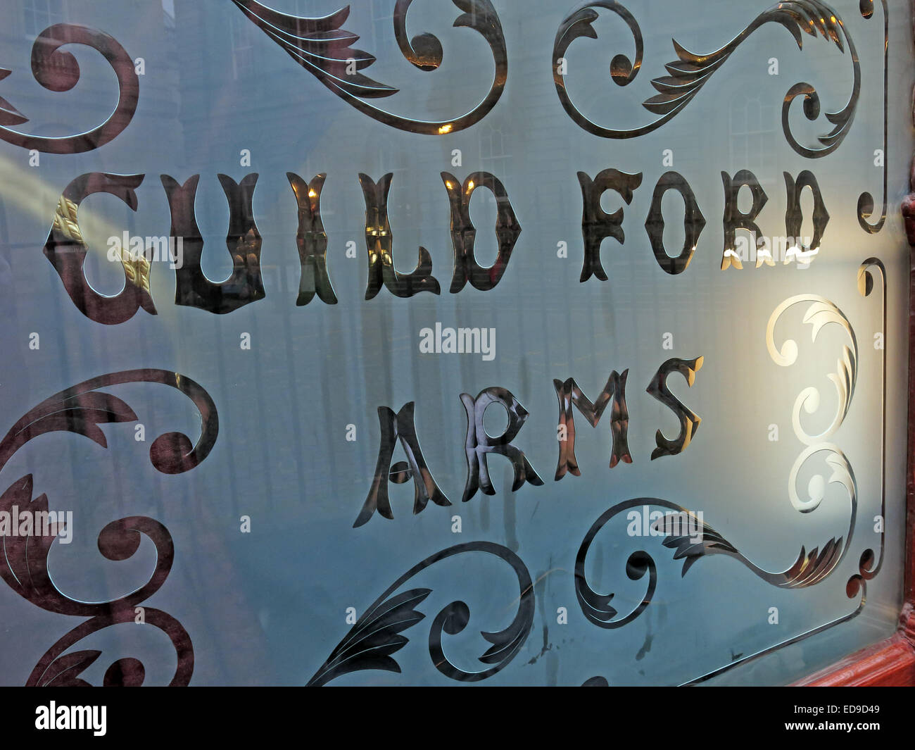 Etched glass from Guildford Arms pub Edinburgh, Scotland - Stock Image