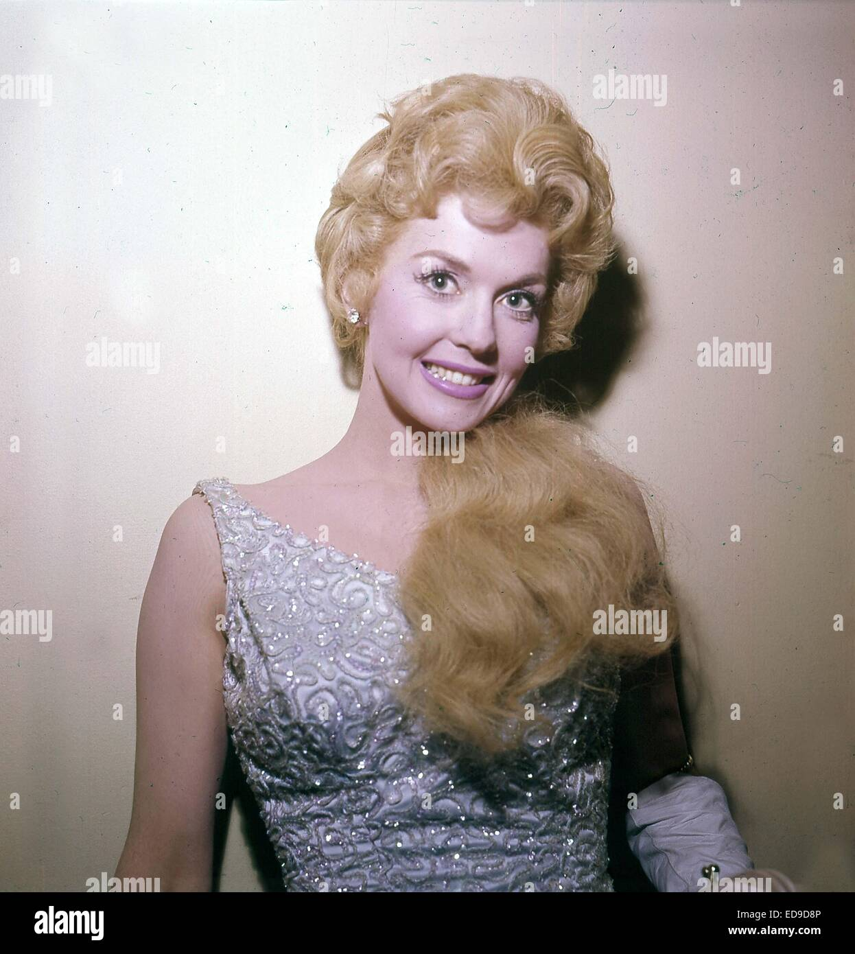 File. 2nd Jan, 2015. Donna Douglas, who played hillbilly bombshell Elly May Clampett on the baby-boomer-beloved 1960s sitcom The Beverly Hillbillies, has died in her Louisiana home. She was 81. PICTURED: DONNA DOUGLAS. © Globe Photos/ZUMAPRESS.com/Alamy Live News Stock Photo
