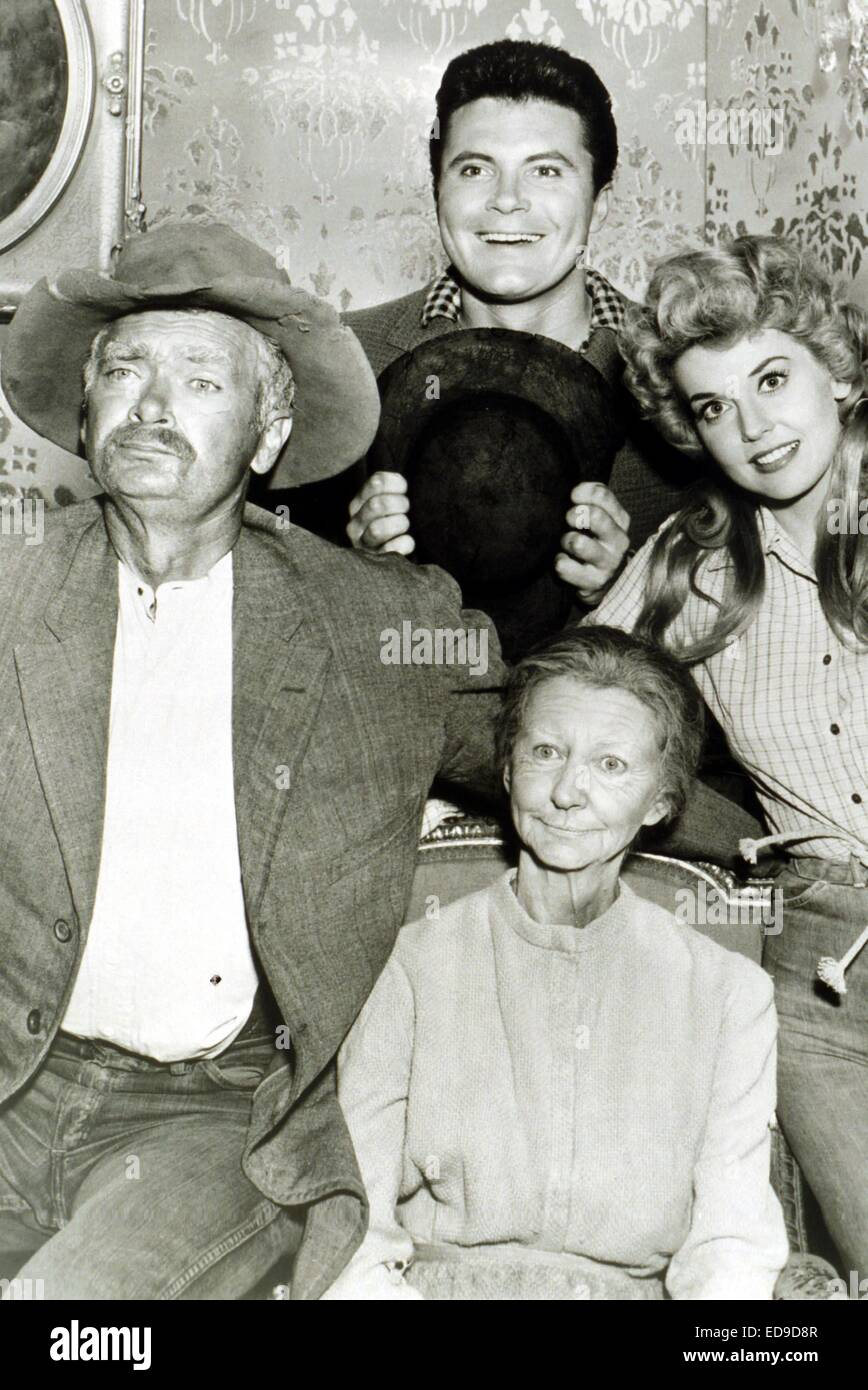 File. 2nd Jan, 2015. Donna Douglas, who played hillbilly bombshell Elly May Clampett on the baby-boomer-beloved 1960s sitcom The Beverly Hillbillies, has died in her Louisiana home. She was 81. PICTURED: Date unknown - DONNA DOUGLAS, right, with the BEVERLY HILLBILLIES cast. © Globe Photos/ZUMAPRESS.com/Alamy Live News Stock Photo