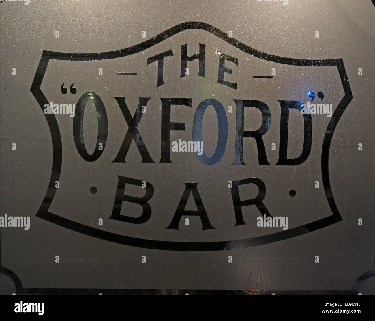 Window of The Oxford Bar, Young St, New Town, Edinburgh, Scotland, UK - Featured in Ian Rankin's Inspector Rebus - Stock Image