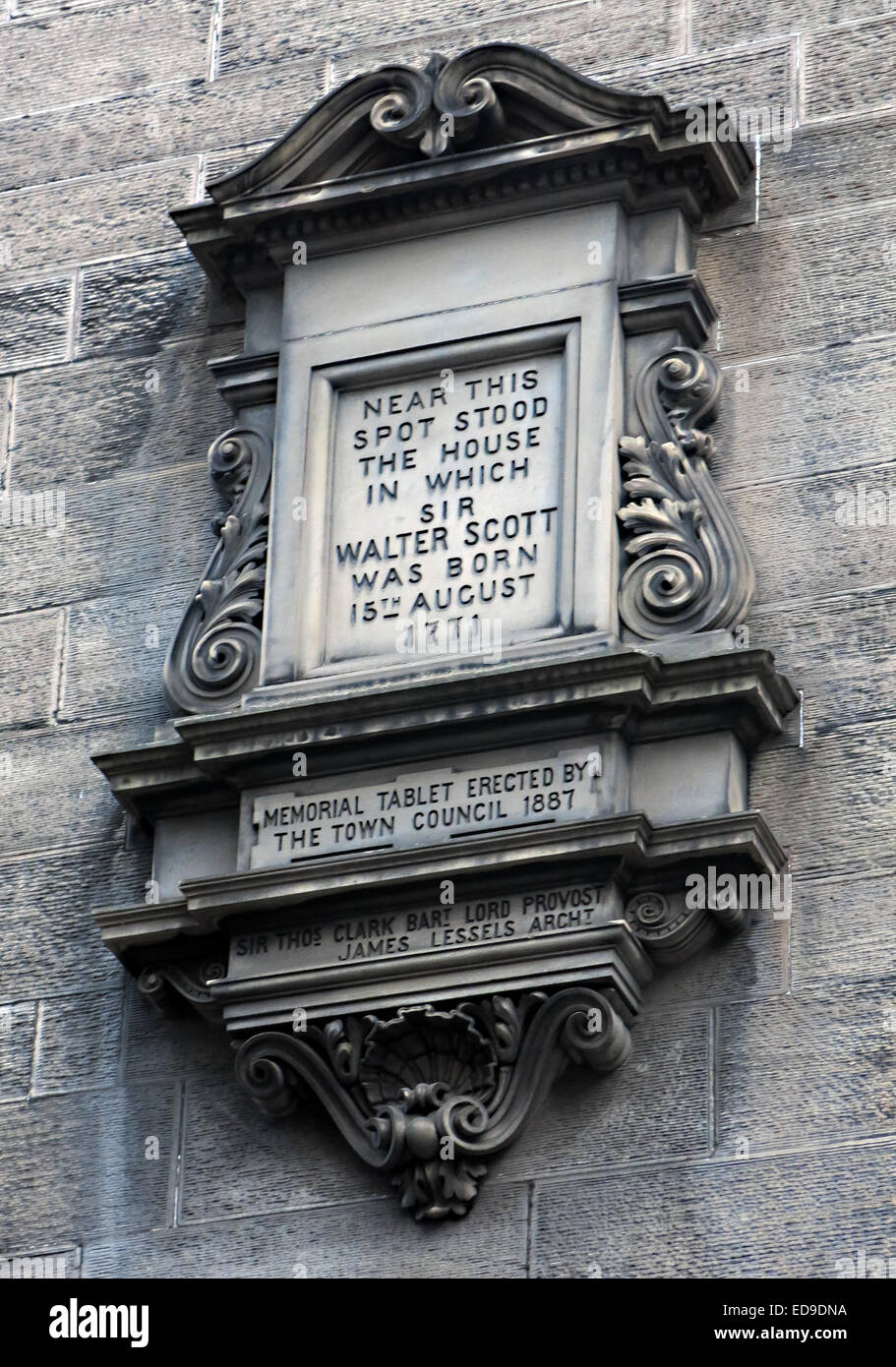 Stone memorial to Sir Walter Scott born here, Edinburgh Scotland (College Wynd in the Old Town ) Stock Photo