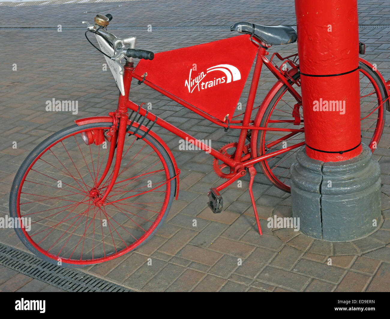 Welcome to Warrington Bank Quay Railway Station, Cheshire, England UK Red Bike - Stock Image