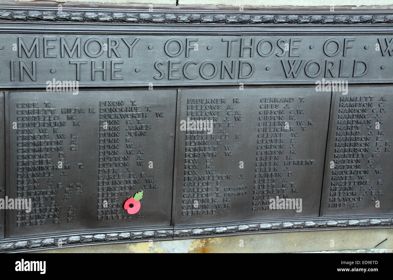 Remembrance day & Poppy Warrington Cenotaph Nov 2014, Bridgefoot, Wilderspool Causeway, Cheshire, England, UK - Stock Image