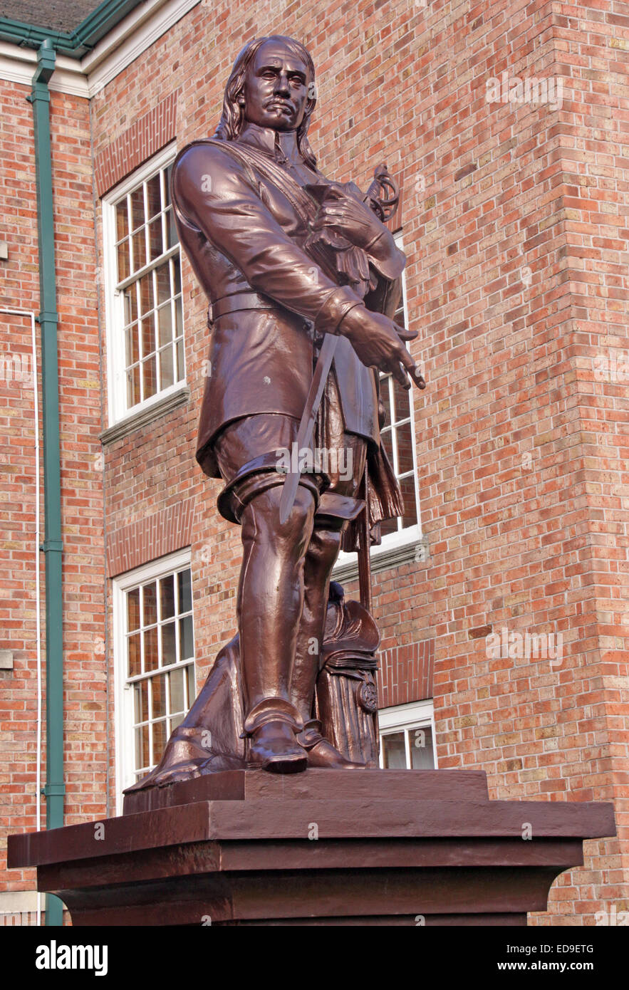 Oliver Cromwell statue,standing in grounds of the Warrington Academy (Guardian)  in Warrington, Cheshire, England, - Stock Image