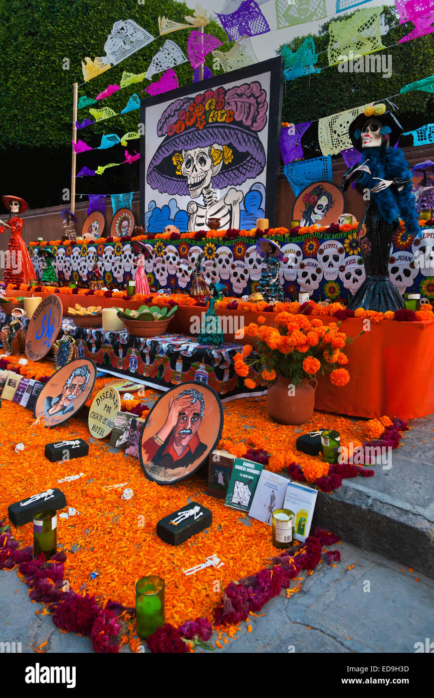 An ALTAR for the author GARCIA MARQUEZ in the JARDIN during DAY OF THE DEAD 2014 -  SAN MIGUEL DE ALLENDE, MEXICO - Stock Image
