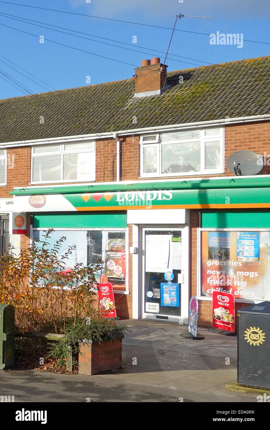 Londis Convenience Store, Swindon Village, Staffordshire, England, UK - Stock Image