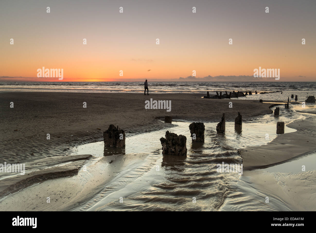 Blackpool, UK. 3rd Jan, 2014. After a wet start the weather improves and finishes for a fine evening in Blackpool. - Stock Image