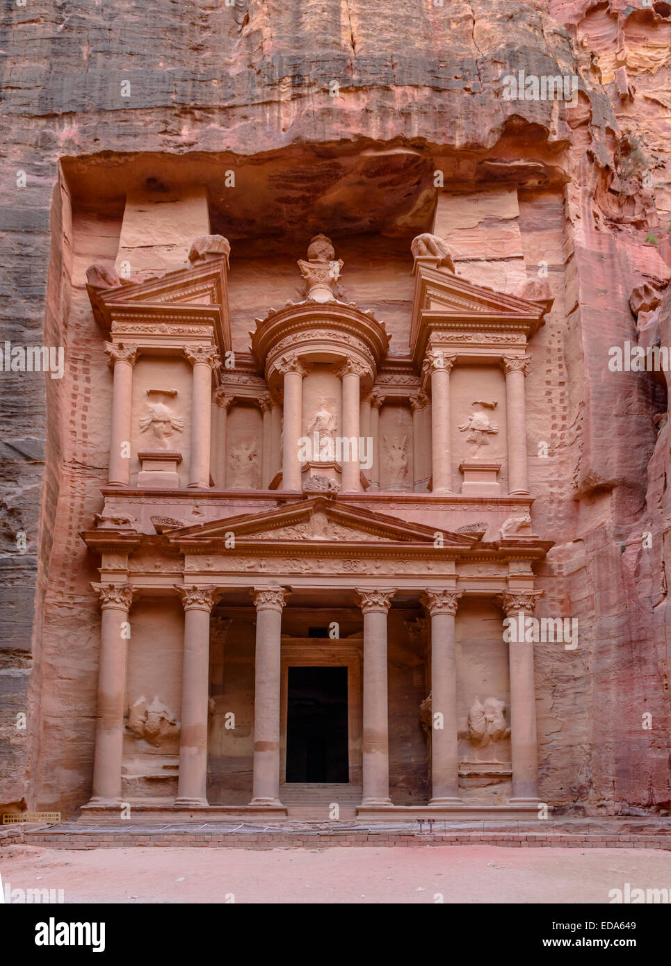 The Treasury in the  Ancient city of Petra carved out of the rock, Jordan - Stock Image