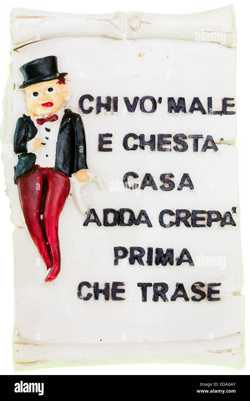 tile magnetic Neapolitan with italian proverb : 'those who want to hurt this house has to die before entering' - Stock Image