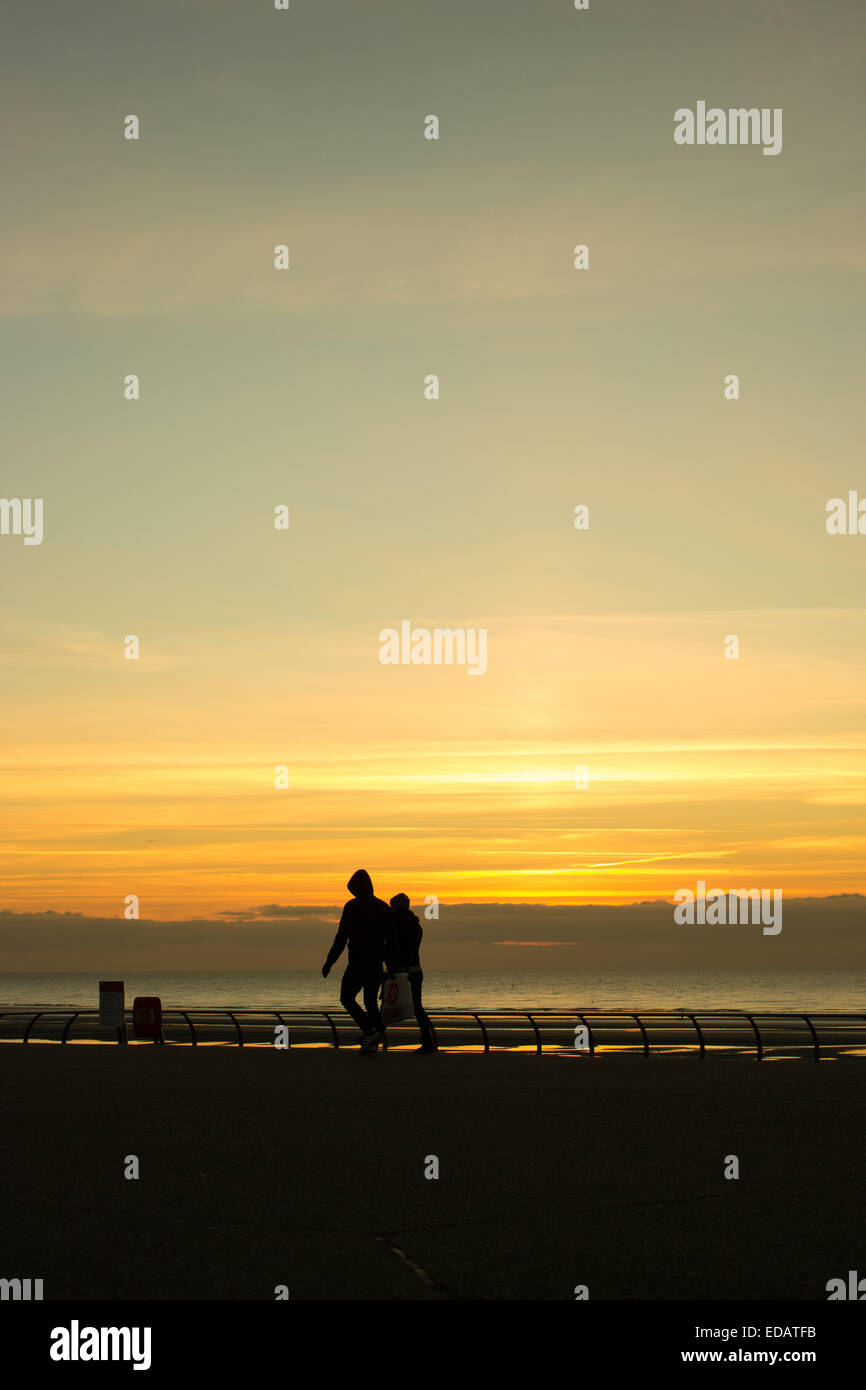 Blackpool, UK. 4th Jan 2015.  A beautiful end to the day in Blackpool, cold and crisp with light winds. Credit: - Stock Image