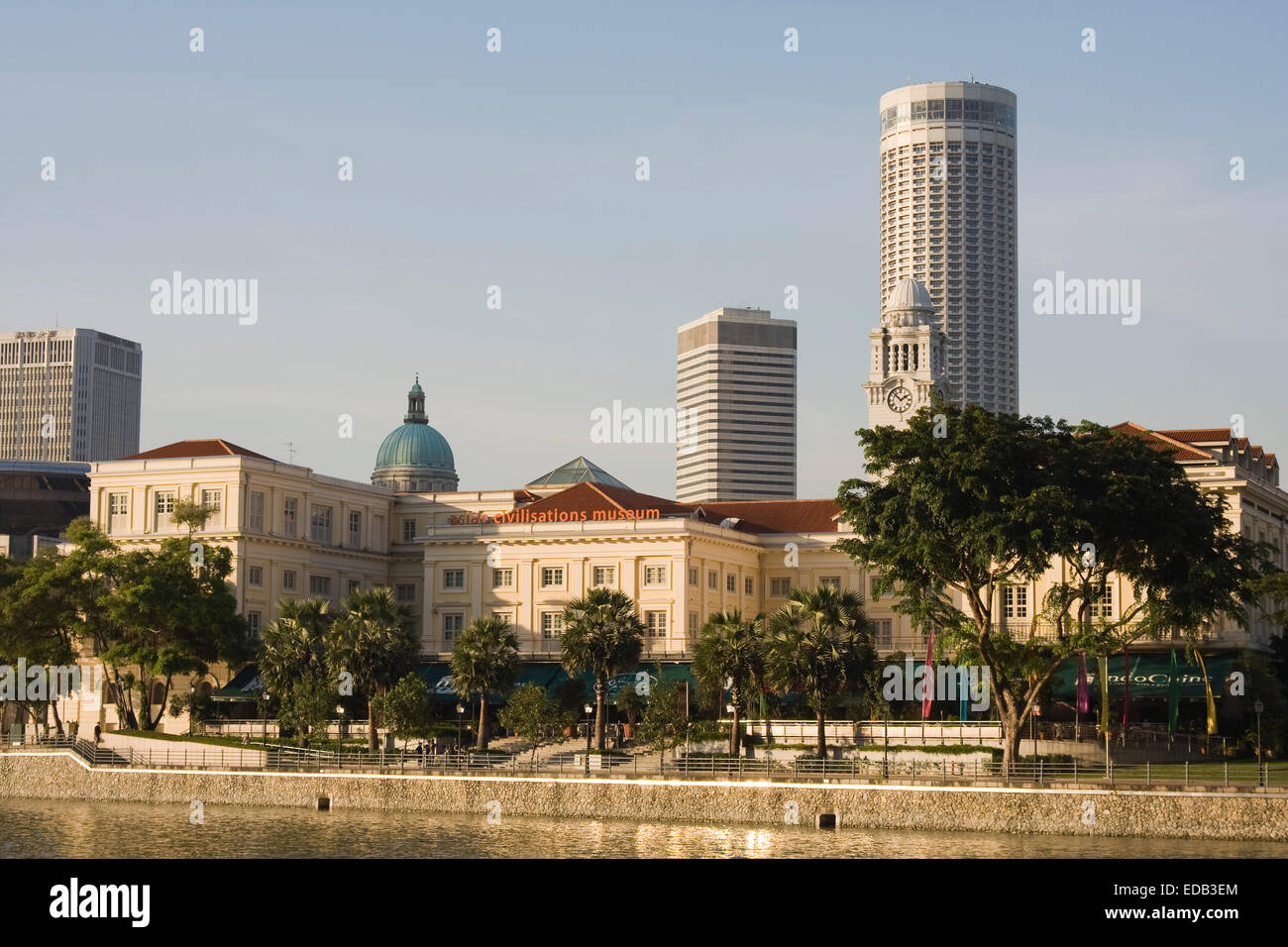 Singapore City,Singapore River with the Asian Civilisation Museum in the evening sun - Stock Image