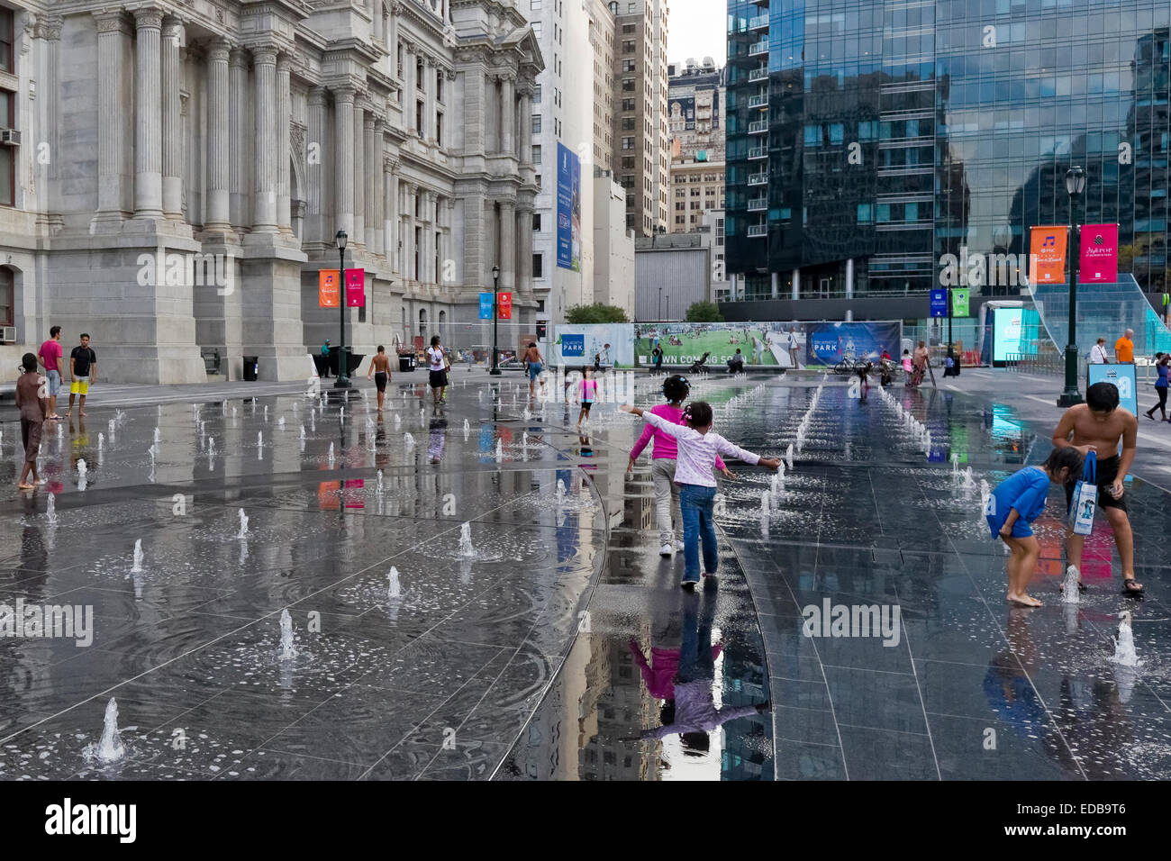 Kids playing in fountains in front of City Hall, Philadelphia, Pennsylvania - Stock Image