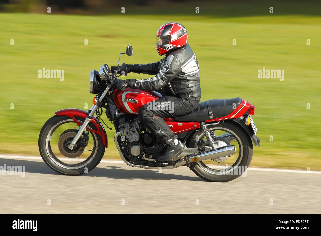 Yamaha XJ 650 Driving
