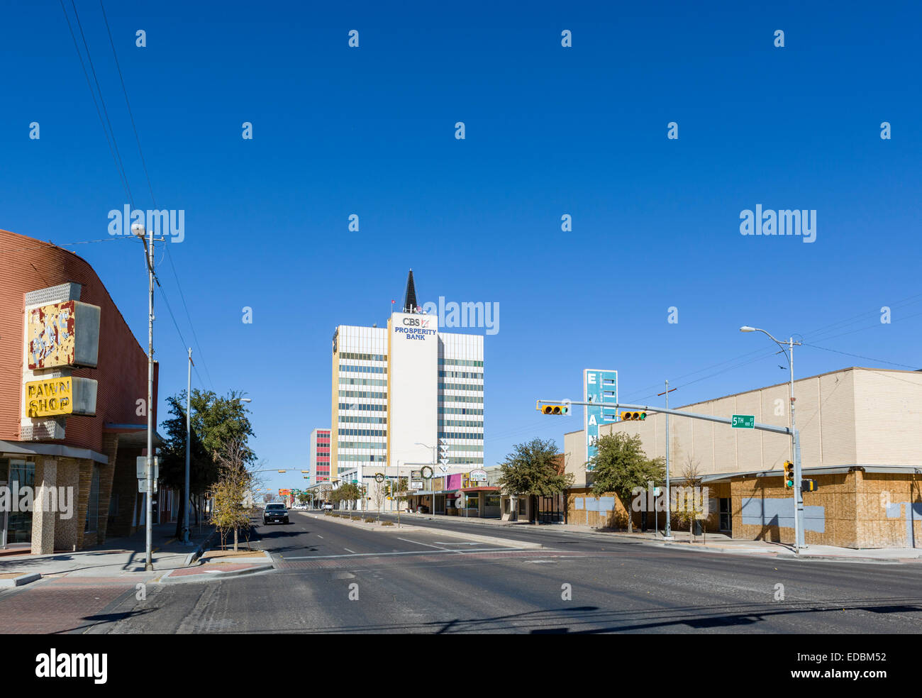 North Grant Avenue at the intersection with 5th Street in downtown Odessa, Texas, USA - Stock Image