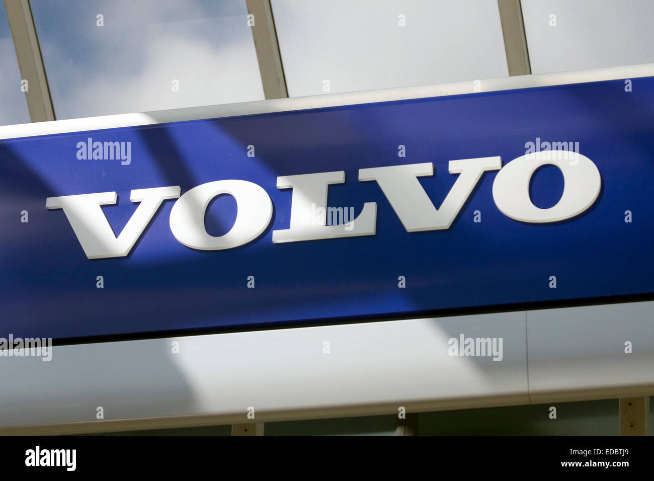ct premier new london sale in fwd htm vehicles secor dealers volvo for featured