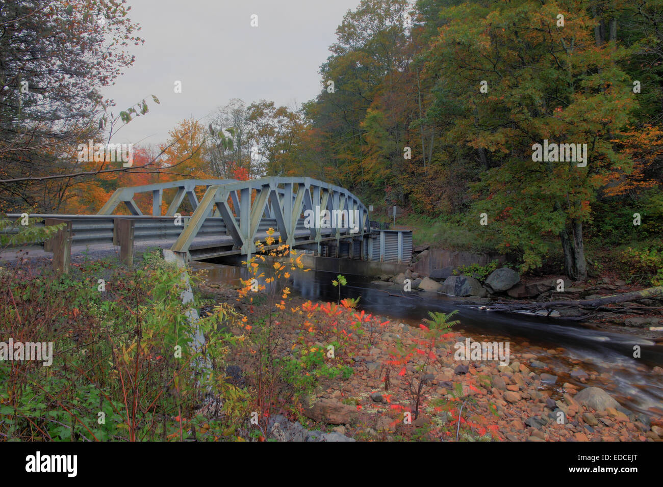 A bridge in rural West Virginia on Red Creek near Dolly Sods. - Stock Image